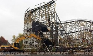 17 Killed, 33 Injured Roller Coaster Collapse At Kentucky Amusement Park