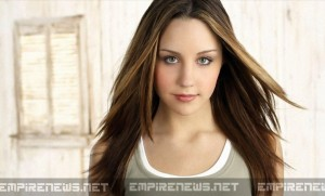 Former Child Star Amanda Bynes Rushed To Hospital With Migraines - What Doctors Discover Is Unbelievable!