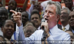 NYC Mayor de Blasio Marches With Anti-Cop Protesters During Rally