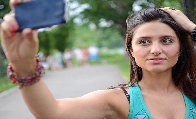 Study Shows Excessive Taking of Selfies Cause Seizures