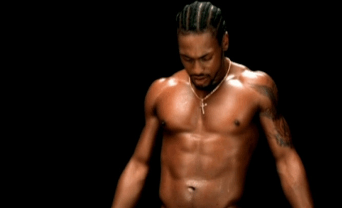 D'Angelo Fans Upset Performer is Not Shirtless During Live Shows, Threaten Lawsuit